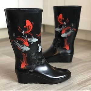 Cougar 'Floris' Koi Fish Wedge Rain Boots - size 7